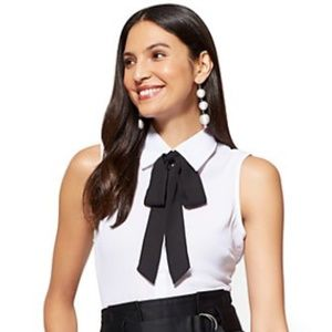 NY&CO Sleeveless Buttoned-up Bodysuit /Bow Accent